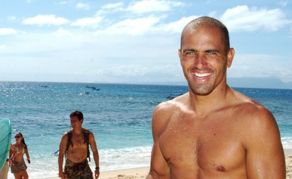 Kelly-Slater-—-Professional-Surfer-—-Saves-Mom-And-Son-From-Freak-Wave