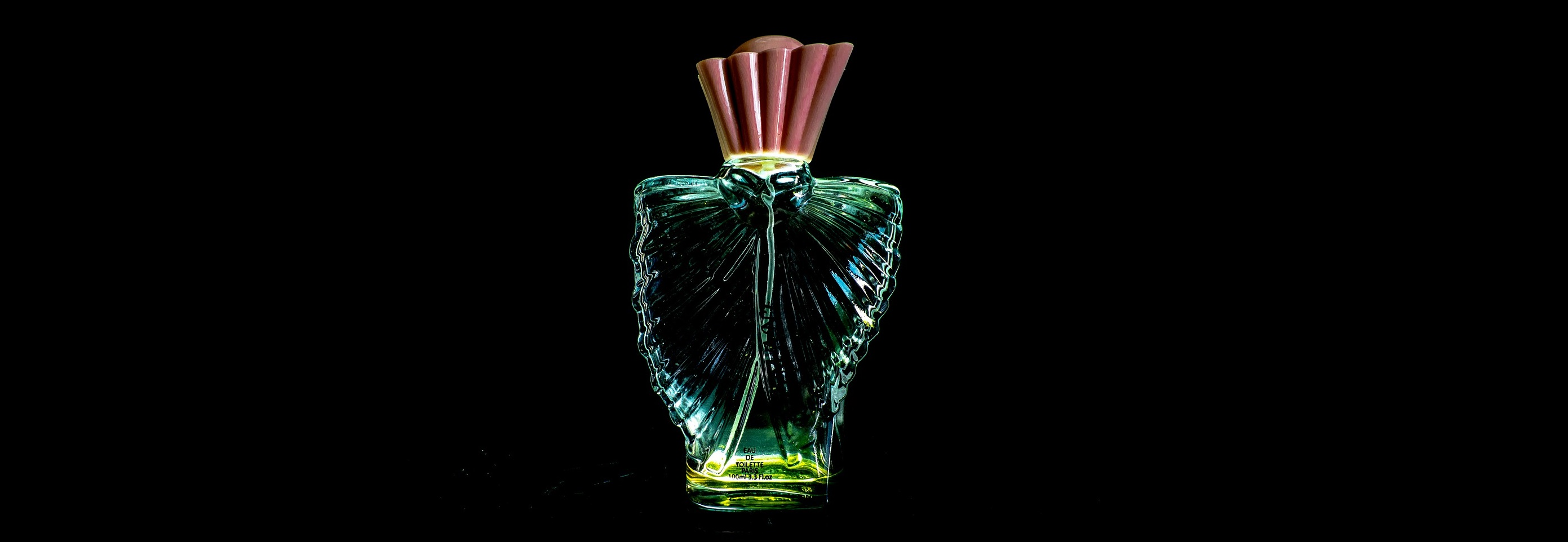 What's the Difference Between Colognes, Parfums, and Eau de Toilettes?